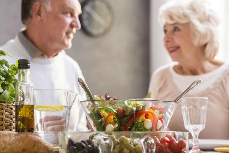 healthy-eating-for-senior-living